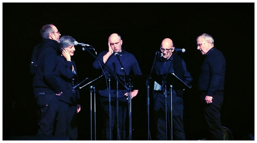 groupe de 5 chanteurs